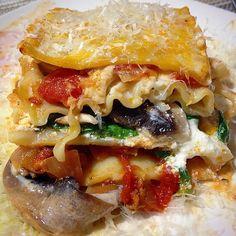 These beautiful layers mended my shitty day. ❤️ Thank youuuuu lasagna.  #foodmakesmehappy #foodcoma #cookingmakesmehappy #wondersforthesoul #foods #food #foodie #follow #followme #yum #yummy #layers #lasagna #italian #foodgawker #foodporn #cheese #cheesy #instafood #foodstagram #savory #spinach #portabella #shiitake #mushrooms #tomatoes