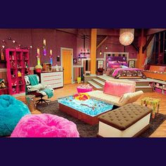 1000+ images about small room on Pinterest Hannah montana Tumblr room and Teenage bedrooms - Hannah Montana Bedroom