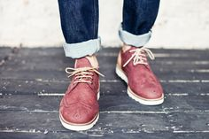 Colored wingtips