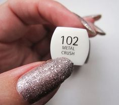 My natural nails with IsaDora Metal Crush 102. www.funkyandfifty.blogspot.fi