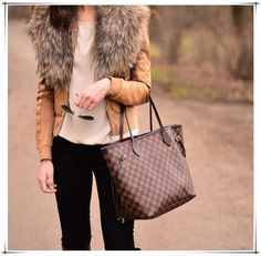 Fashion! Love Neverfull Handbag, And You Just Should Take Them With You. $232.99 #Fashion #Neverfull #LV #Bags
