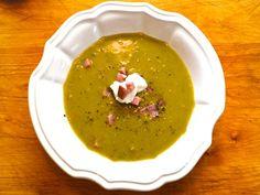 235552-20120109-british-bites-ham-split-pea-soup.JPG