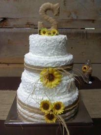 Western/country wedding cake, sunflowers