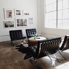 "tresbongout: "" Barcelona Chair by Ludwig Mies van der Rohe "" Living Room Chairs, Living Area, Living Spaces, Modern Interior Design, Interior And Exterior, Exterior Design, Barcelona Chair, Home Fashion, Net Fashion"