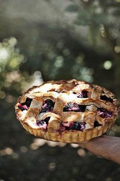Apple + blackberry pie