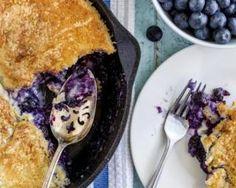 Gâteau léger aux myrtilles cuit dans une poêle : http://www.fourchette-et-bikini.fr/recettes/recettes-minceur/gateau-leger-aux-myrtilles-cuit-dans-une-poele.html