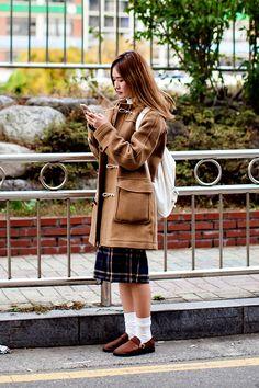 Coat | Uniqlo T-Shirt | Uniqlo Skirt | FLYTOYOU Shoes | Aurorashoes Bag | MUJI On the street… Shin Jihye Busan