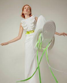 Aphrodite  Photo: @vladyvalaphoto Stylist: @martinaparente Assistant: @mlondon_styling Model: @vcjobb MUA: @kokina.mua Retoucher: @retoucher.aso for @flanellemagazine