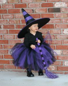 Is it weird that I want my Halloween costume to look almost just like this haha ATOS! Halloween 2014, Creative Halloween Costumes, Cute Halloween, Halloween Crafts, Kids Witch Costume, Witch Tutu, Fantasias Halloween, Cute Costumes, Halloween Disfraces