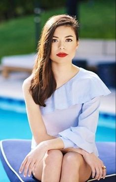 Welcome to MirandaTCosgrove Romania your English source for actress and singer Miranda Cosgrove.Here you can fiind photos,videos and more with and about Miranda. Miranda Cosgrove, Little Hotties, Nickelodeon Girls, Kissy Face, Jennette Mccurdy, Child Actresses, Icarly, Portraits, Jennifer Connelly