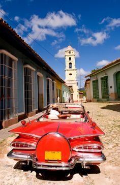 Colonial Trinidad and Classic Car in Cuba - I love Trinidad website: http://Netssa.com/trinidad.html