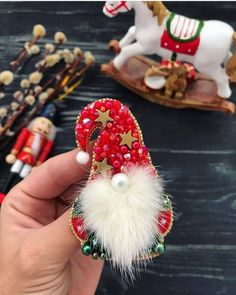 Bead Embroidery Jewelry, Beaded Embroidery, Beaded Jewelry, Beaded Crafts, Shibori, Making Ideas, Christmas Time, Projects To Try, Jewelry Making