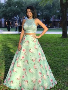 order contact my whatsapp number 7874133176 Kids Lehenga Choli, Lehenga Blouse, Anarkali, Lehenga Skirt, Indian Wedding Outfits, Indian Outfits, Simple Lehenga, Party Wear Lehenga, Dress Party