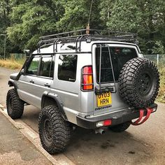 Chunky Fun! By @mikeeharveey #Discovery2 #Discovery #landroverdiscovery #landroverphotoalbum Land Rover Discovery 2, Best 4x4, Off Road Adventure, Defender 90, Land Rovers, Cool Trucks, Range Rover, Campervan, Van Life