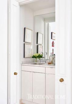 "East Urban Home Reptile Duschvorhang Set + Haken Größe: 84 ""H x B Bathroom Renos, Bathroom Interior, Bathroom Vanities, Bathroom Ideas, Gray Bathrooms, Paint Bathroom, Mirror Bathroom, Master Bathrooms, Bathroom Towels"