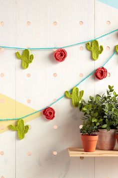 Yarnspirations is the spot to find countless free easy crochet patterns, including the Lily Sugar'n Cream Crochet Cactus Garland. Browse our large free collection of patterns & get crafting today! Crochet Bunting, Crochet Garland, Crochet Mandala Pattern, Crochet Decoration, Easy Crochet Patterns, Diy Crochet Cactus, Crochet Home, Crochet Flowers, Knit Crochet