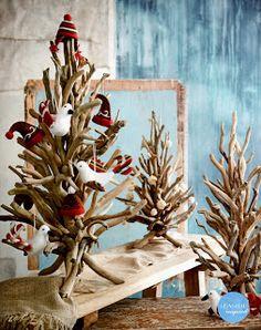 Seaside Inspired - Beach Decor: Driftwood Christmas Decor for a natural, beach style Christmas