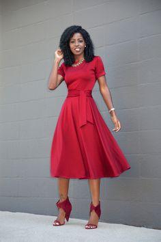 Elbow Length Swing Midi Dress