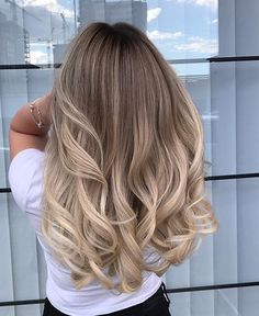 Amazing Blond Balayage Hair Colors For Long Hair In 2019 - Page 6 of 16 - Dazhim. - Amazing Blond Balayage Hair Colors For Long Hair In 2019 - Page 6 of 16 - Dazhim. Ombré Hair, Wavy Hair, Dyed Hair, Short Curled Hair, Long Ombre Hair, Curls Hair, Ombre Hair Color, Blonde Layered Hair, Blonde Layers