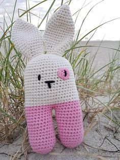 Rabbit! Sweet bunny rattle - perfect for a summer baby girl available on etsy www.etsy.com/shop/mistervanger A lanukas pattern