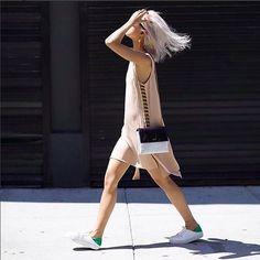 Hafta sonu favorimiz: #Elbise + Spor Ayakkabı √ https://brand-store.com/main/editor/451 #ootd #look #muse Photo: thehautepursuit on instagram