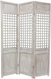Need to find lattice fencing or a divider for photo booth backdrop. Add a vintage couch and voila!