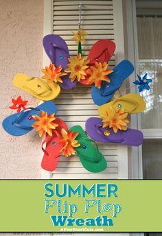 Super cute #Summer craft project. Summer Flip Flop Wreath on AFewShortCuts.com