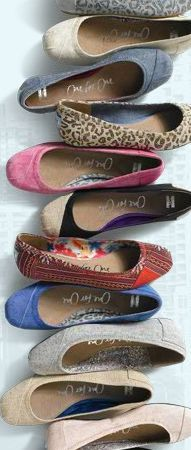 Toms shoes as a  gift---The best choice to sent your friends or family