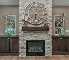 35 Awesome Farmhouse Fireplace Design Ideas To Beautify Your Living Room. Awesome Farmhouse Fireplace Design Ideas To Beautify Your Living Room Chimney presumably has a place with one of vital things to set in any house insides. Home Fireplace, Family Room Design, Fireplace Design, New Homes, Fireplace Remodel, Farmhouse Fireplace Decor, Farmhouse Fireplace, Farmhouse Style Kitchen, Fireplace Built Ins