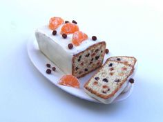 Fruit cake - Miniature in 1:12 by Erzsébet Bodzás, IGMA Artisan