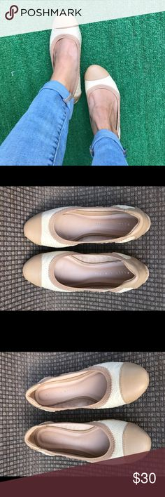 Kelly & Katie flats Ballet flats with elastic band for extra comfort. Neutral two tone color goes with anything! Comes with box Kelly & Katie Shoes Flats & Loafers