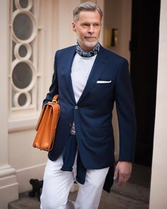 Our partner store in London shows a smart casual office approach. Smart Casual Work Outfit, Smart Casual Office, Mens Scarf Fashion, What To Wear, Suit Jacket, Street Style, Bandana, Blazer, Tuesday Inspiration