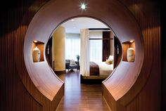This Hotel Suite At The Shangri-La In Toronto Has A Moon Gate
