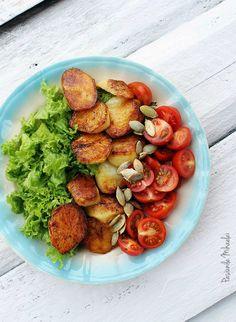 Salata cu cartofi noi, rosii si seminte de dovleac Ratatouille, Bon Appetit, My Recipes, Canning, Ethnic Recipes, Food, Green, Salads, Essen