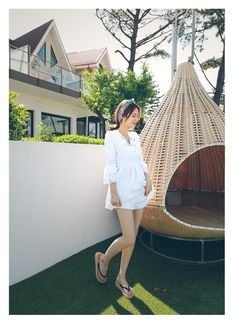 Summer is here! Cute mini V-neck blouse in white, free size. #Fashion #Summer #Blouse #ShippingWorldwide