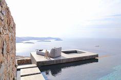 """Meerblick bis zum Horizont in """"Syros I"""". Egal, ob vom Infinity Pool oder von der Sonnenliege aus. (Foto: Ioanna Roufopoulou)"""