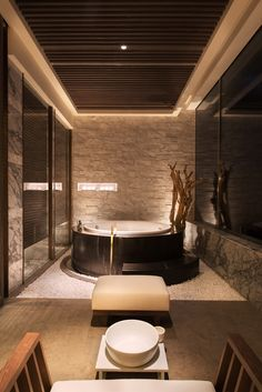 Grand Hyatt, Shenyang, China Spa Treatment Room