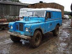"""1-Ton 109"""" Land-Rovers 1968-77"""