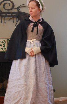 As I was browsing century cloaks online, I came across a great page at The Hive Online about short cloaks. The page, as 17 April . 18th Century Dress, 18th Century Costume, 18th Century Clothing, 18th Century Fashion, 17th Century, 1800s Dresses, Cloak Pattern, Period Outfit, Historical Clothing