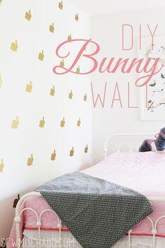 DIY Vinyl Bunny Wall - use vinyl wall stickers to creat an adorable bunny loving wall! Watch Diy, Statement Wall, Vinyl Wall Stickers, Wall Decals, Used Vinyl, Cute Home Decor, Little Girl Rooms, Diy Home Improvement, Adhesive Vinyl