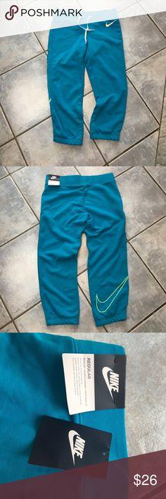 Women's Nike blue Sweatpants Joggers Women's Nike blue Sweatpants Joggers NWT Nike Pants Track Pants & Joggers