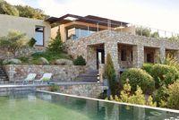 Maison moderne à Balagne en Corse - CôtéMaison.fr