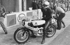Motorcycle Racers, Racing Motorcycles, The Golden Years, Moto Guzzi, Old Photos, Motorbikes, Yamaha, Vehicles, Airstream