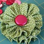 40+ Charming Fabric Flowers To Make  Great idea for clothing, shoes, or hair embellisments.