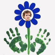 bloem met foto en handafdruk