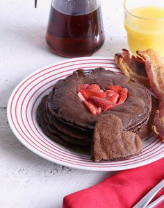 Fill my heart chocolate flapjacks. Super easy recipe! Love this for Valentine's Day and brunch.
