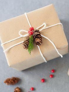 Оформление прикольных новогодних подарков для друзей своими руками
