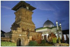 Menara Kudus Mosque is a mosque built by Sunan Kudus in 1549 AD or the year 956 Hijriah, using stones Baitul Maqdis of Palestine as the first stone. The mosque is located in the village Kauman, Kota districts, Kudus counties, Central Java. This mosque has a similar tower of candi, because it is a blend of Islamic culture with Hindu culture.