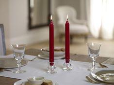 Al meer dan 150 jaar is Gouda bezig met het perfectioneren van hun kaarsen en dat is te zien. De kaarsen zijn kwalitatief erg goed door de perfecte balans tussen kaarsvet en lont. Met Gouda kaarsen bent u verzekerd van een heldere en contstante vlam, geen druipen of walmen en de kaarsen zijn moeiteloos opnieuw aan te steken! Gouda, Candles, Candy, Candle Sticks, Candle