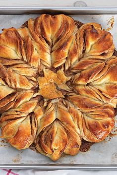 Cinnamon Star Bread Recipe http://www.kingarthurflour.com/blog/2015/12/08/cinnamon-star-bread/?utm_source=facebook&utm_campaign=content&utm_medium=social